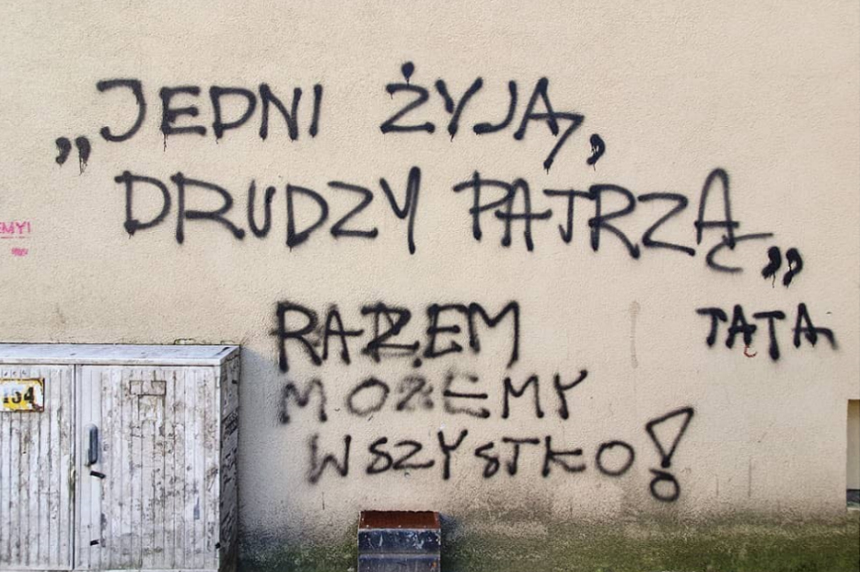 Poznań Jedni żyją drudzy patrzą razem możemy wszystko