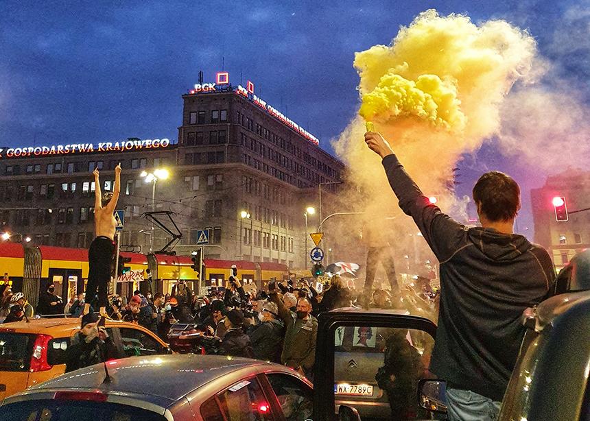 Strajk kobiet, blokada na rondzie de Gaulle'a Warszawa