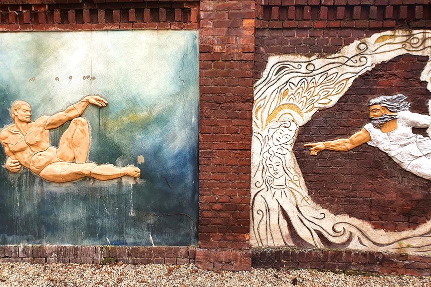 Street art na wrocławskim Nadodrzu w podwórkach przy ulicy Roosevelta.