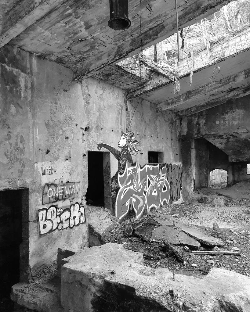 Street art w Cementowni Grodziec w Będzinie